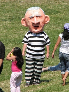 Prisoner Puppet