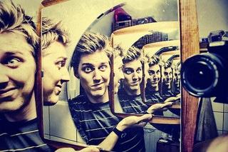 Mirror Douche Guy